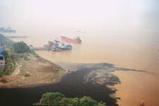 Report says pollution along Yangtze river increasing