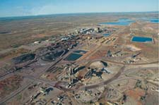 Australia's Labor Party scraps ban on new uranium mines