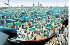 Fisherfolk protesting against< (Credit: SHAHID HUSAIN)