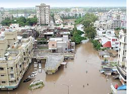 Citizens' reports indict Gujarat government for Surat floods