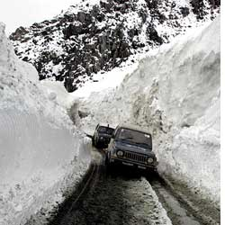 Erratic weather in Jammu and Kashmir