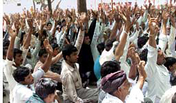 Villagers veto sale of grazing land to Mundra SEZ