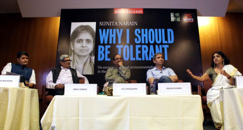 (L to R) Chandra Bhushan, Bibek Debroy, Raj Chengappa, Ravish Kumar and Sunita Narain at the book launch (Credit: Vikas Chaudhary)