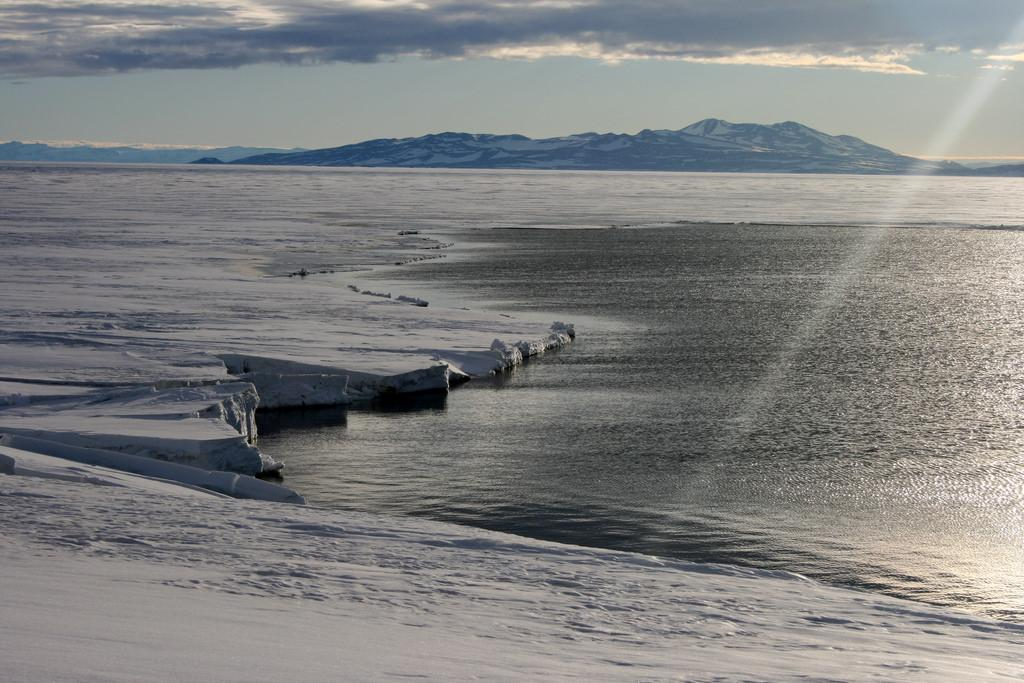 Land ice and sea ice have very different roles in Earth's climate and behave in crucially different ways Credit: Eli Duke/ Flicker