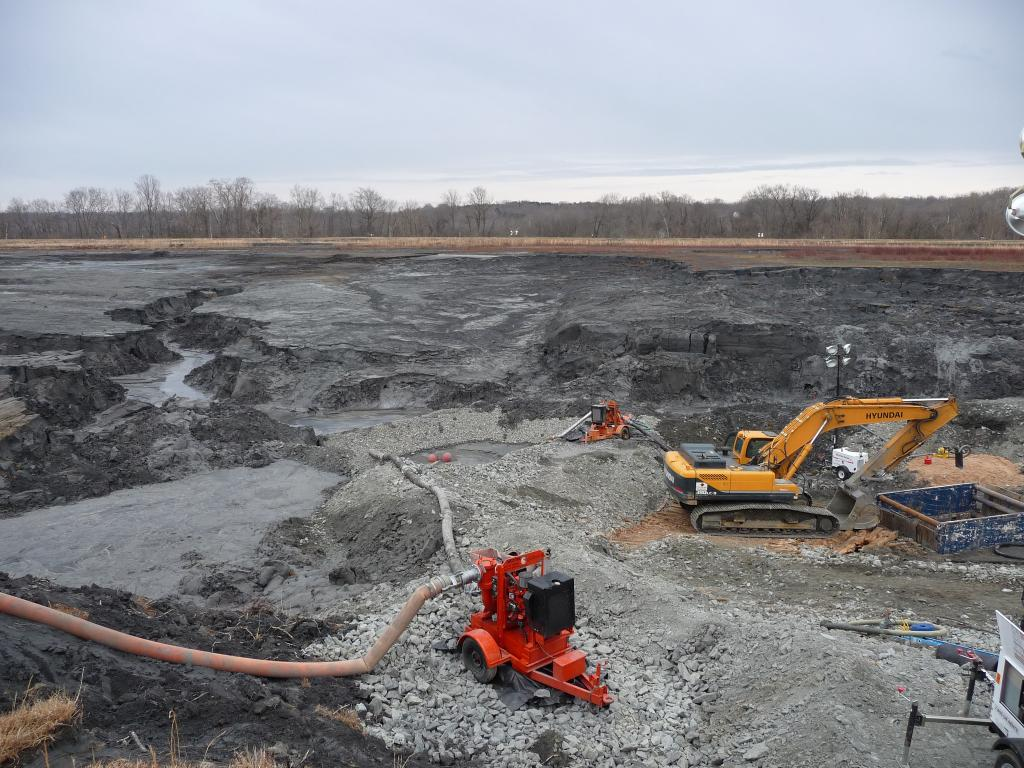 The issue of air pollution from fly ash ponds becomes severe, especially during summer. Credit: USFWS/ Flicker