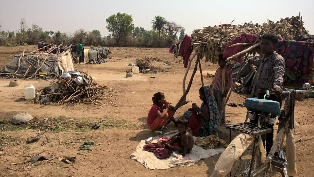 Migration deals the hardest blow to children of migrant workers, say aanganwadi workers (Photo: Kundan Pandey)