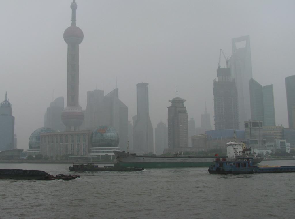 Heavy smog over Shanghai  Credit: Flickr