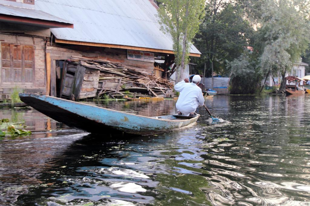 Kashmir is not new to illegal encroachments around sensitive environmental zones like Dal Lake Credit: Fulvio Spada / Flicker