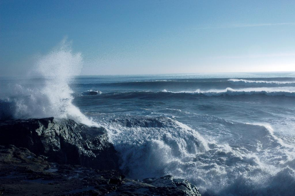 The scientists studied the amplitudes of tidal stress two weeks before the earthquakes took place. Credit: Wonderlane / Flicker