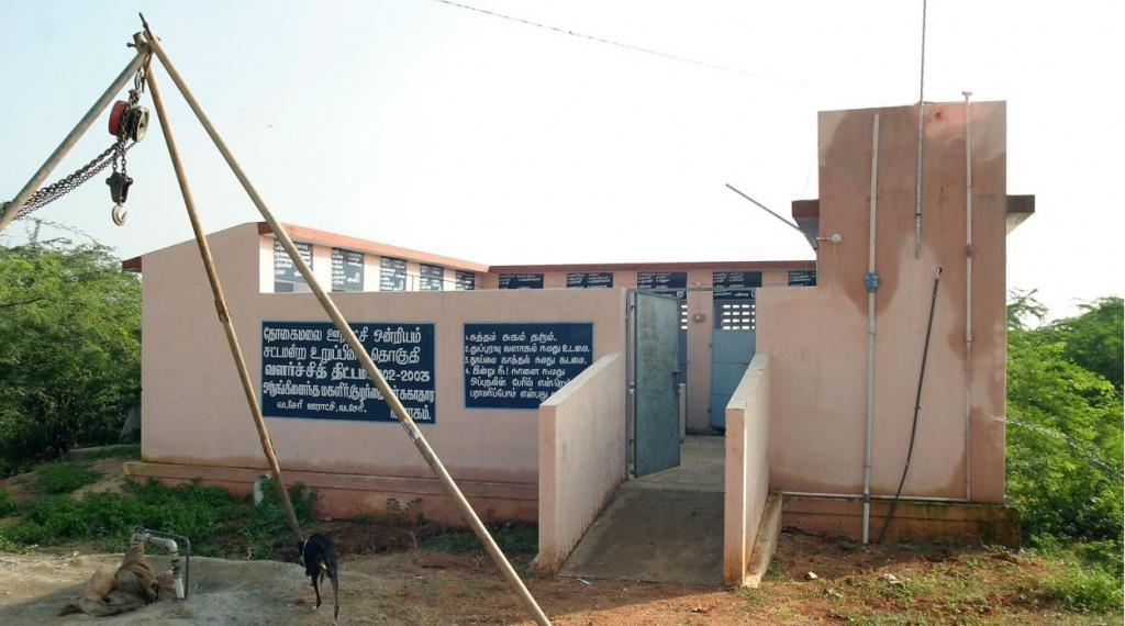 About 174,720 toilets were constructed in 941 village panchayats across all the 14 districts in two months. Credit: klfo / Flicker