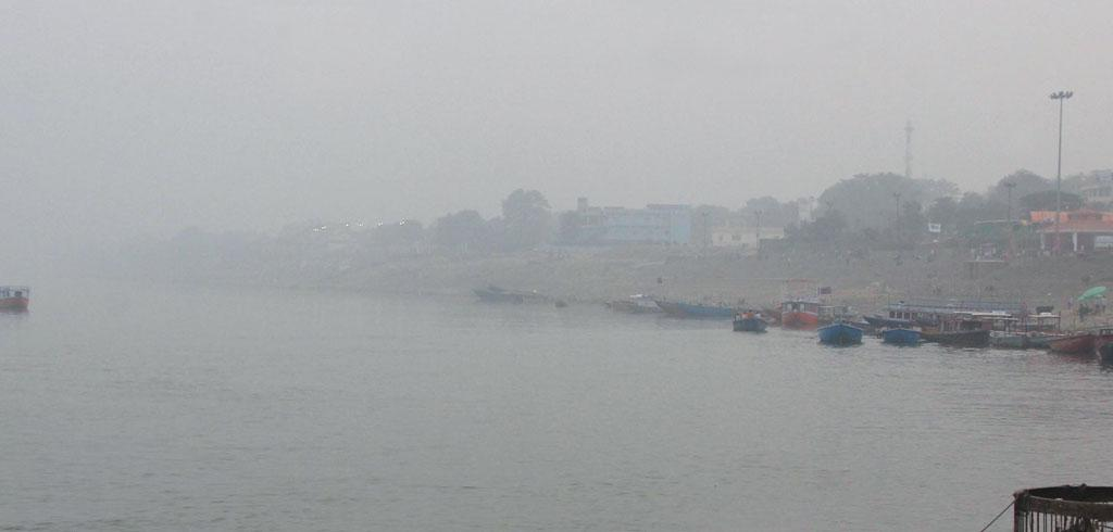 Varanasi on November 8. The city on the banks of the Ganga scored 400 on the Central Pollution Control Board's air quality index that day, which suggests severe air pollution (Source: JAVED)