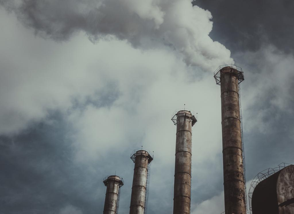 The three main pollutants from coal-fired power stations are sulphur dioxide, nitrogen oxides and invisible particulate matter