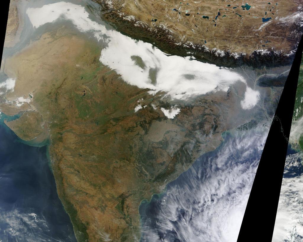 NASA image showing northern India blanketed by fog. Credit: NASA