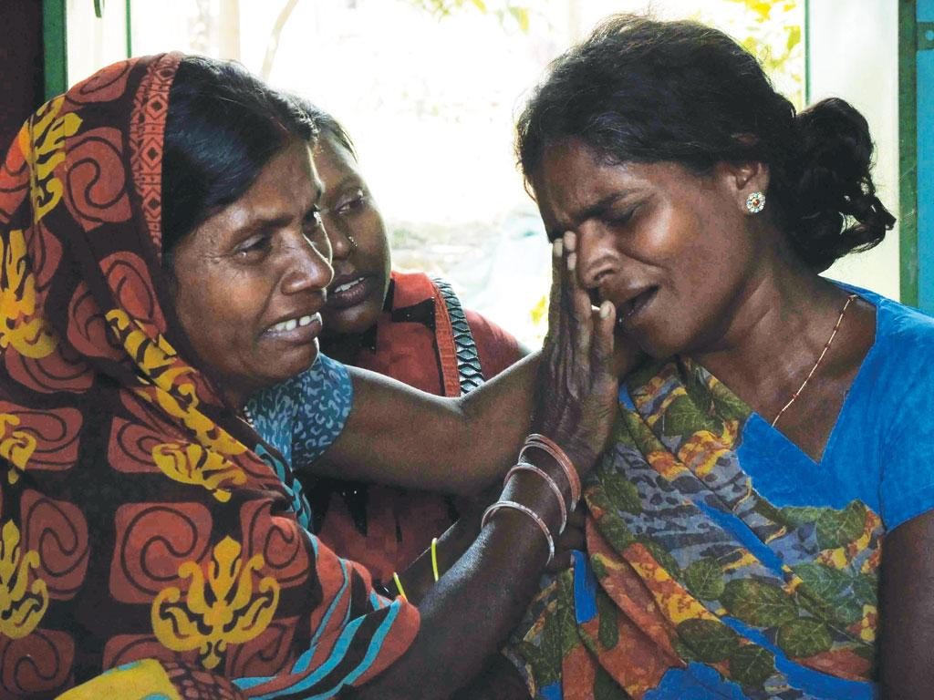 Mother of Pawan Kumar of Hazaribagh district's Sonbarsa village. Pawan was killed in police firing on October 1 during protests against changes in laws governing tribal land in Jharkhand (Photo: Manob Chowdhury)