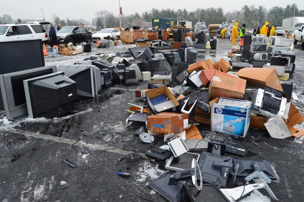 Greater replacement of obsolete equipment has led to a dramatic increase in quantities of e-waste being disposed of in China. Credit: Montgomery County Planning Commission/ Flicker