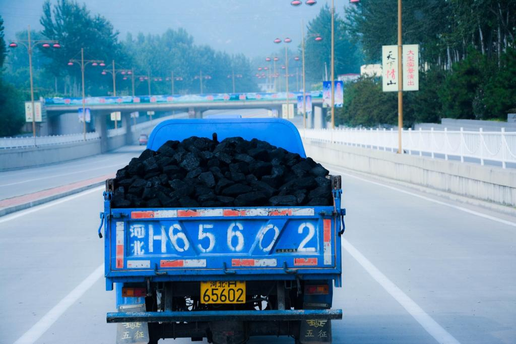 China has committed to limit coal capacity to 1,100GW. Credit: Han Jun Zeng/ Flicker