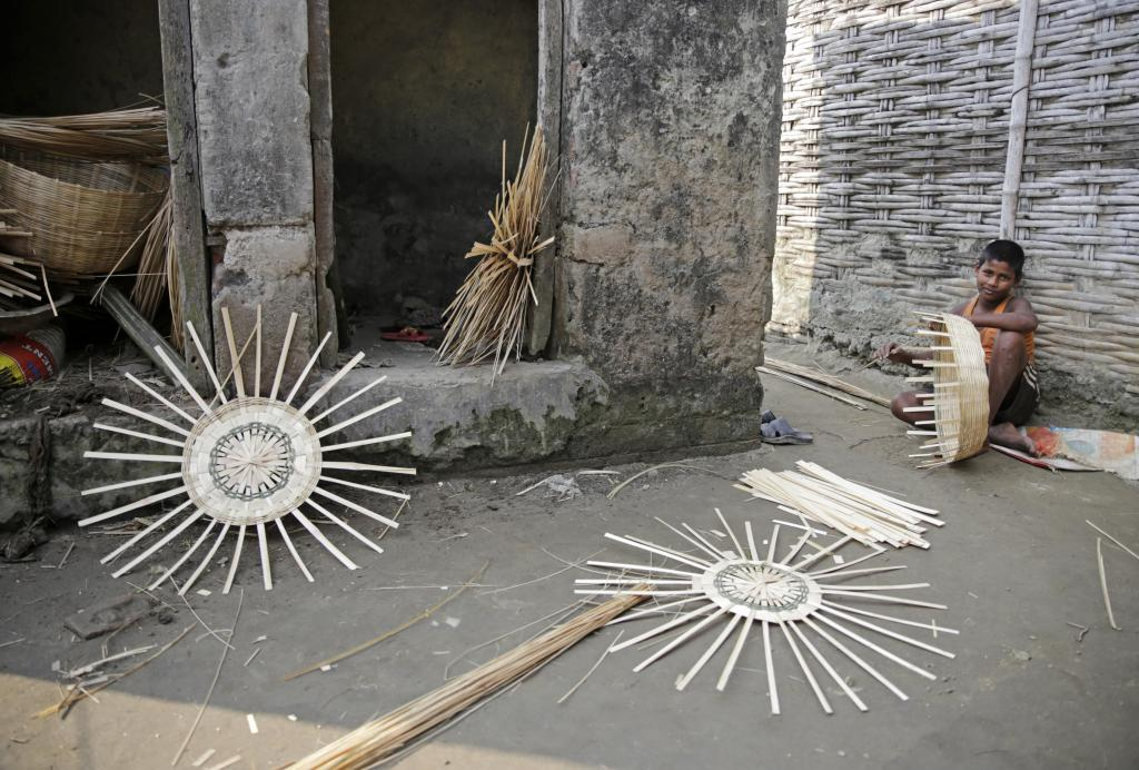 Weaving bamboo products is practised by many living in the Kosi area. Credit: Vikas Choudhary