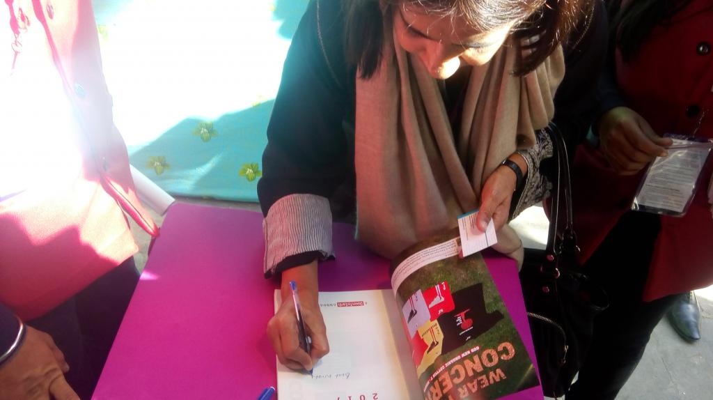 Sunita Narain signing copies of State of Environment Report 2017 at the Jaipur Literature Festival 2017