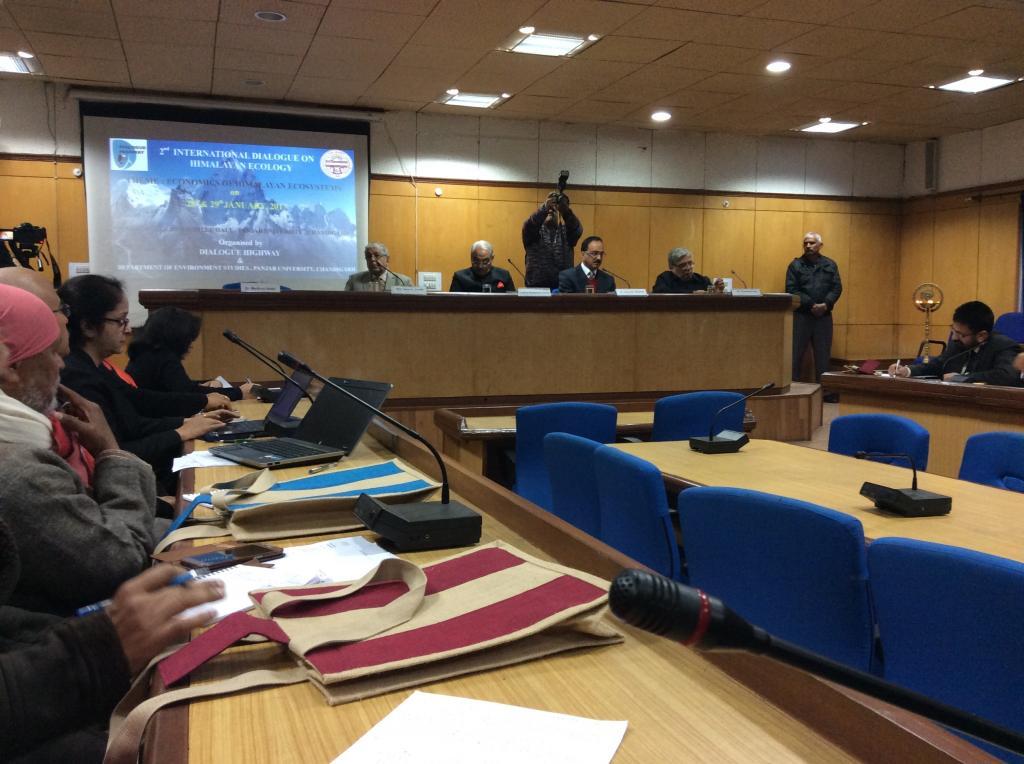 Panel discussion taking place at the 2nd International Dialogue on Himalayan Ecology (Credit: Deepanwita Niyogi/CSE)