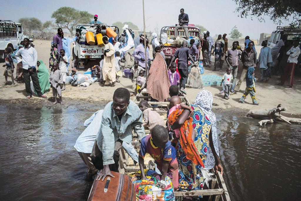 Nigerian refugees move
