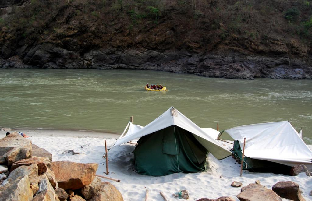There are 33 sites along the banks of the Ganga River, of which eight fall within the 100-metre range. Credit: Travayegeur (Sahil Lodha) / Flicker