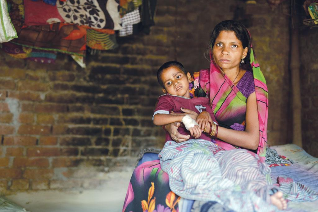 Hadeesu's six-year-old daughter Tuba died of measles on May 3 in Narainpur Kanhauli village in Jaunpur district of Uttar Pradesh (Srikant Chaudhary)