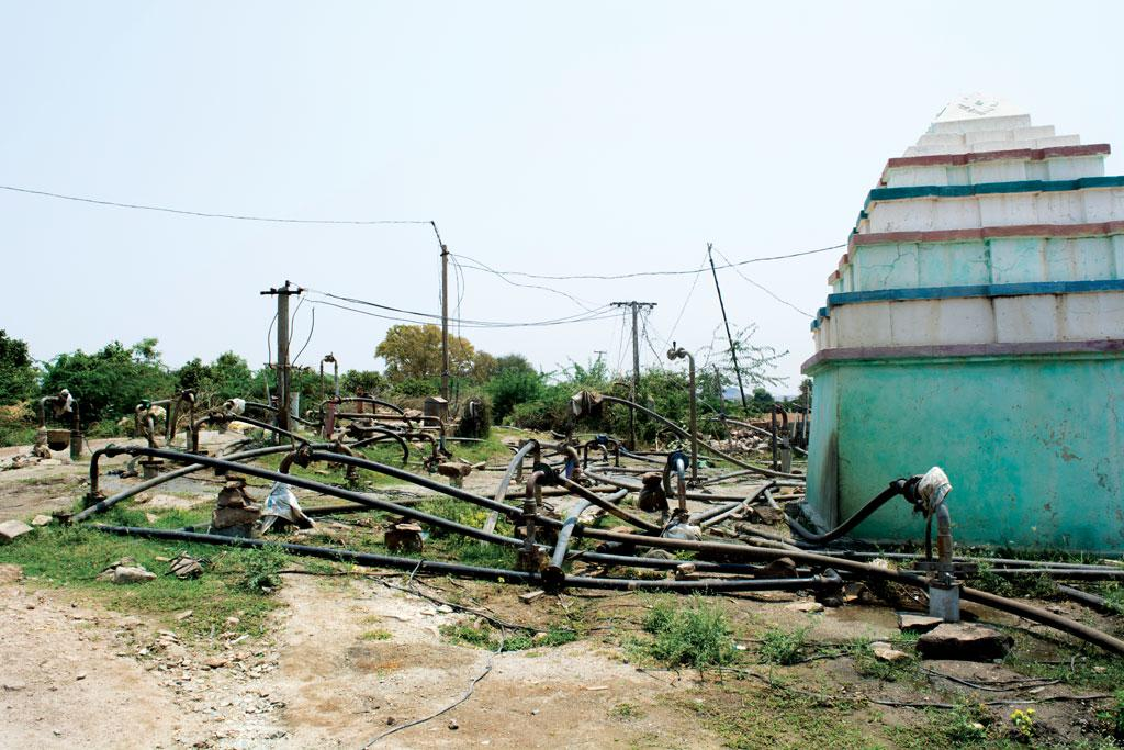 In Andhra Pradesh's Goddumarri village, people have drilled over 40 borewells on a 405 sq m community land next to a temple. This is causing the dry riverbed of the Chritravati, barely 500 metres from the temple, to cave in at places (Photo: Ayesha Minhaz