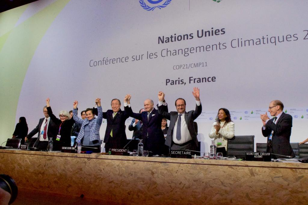 Unlike its predecessor, the Kyoto Protocol, Paris Agreement promotes a voluntary regime where countries choose to decide their climate commitments. Credit: Wikimedia Commons
