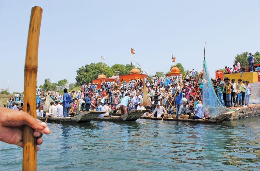 Protests gather pace across Narmada Valley after the Supreme Court allows the Sardar Sarovar Dam