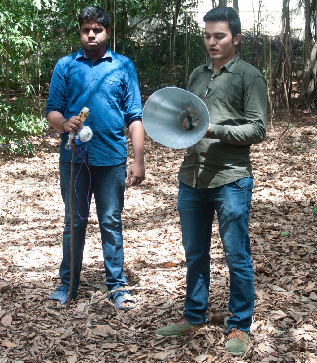 एस. सरथ (बाएं) और रवि खत्री  (दाएं)