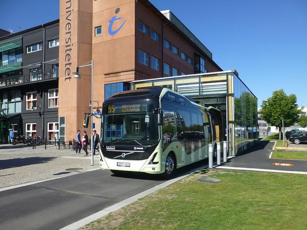 Volvo electric bus on the line number 55 in the city of Gothenburg. Credit: Wikimedia Commons