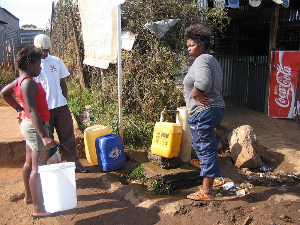 Every three out of 10 people globally lack access to safe drinking water at home. Credit: Wikimedia Commons