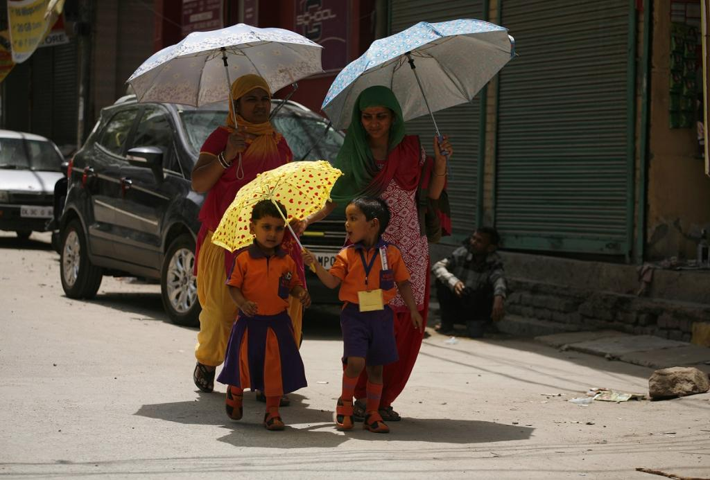 These summer heat waves could start hitting the Indian sub-continent as early as the next few decades. Credit: Vikas Choudhary / CSE