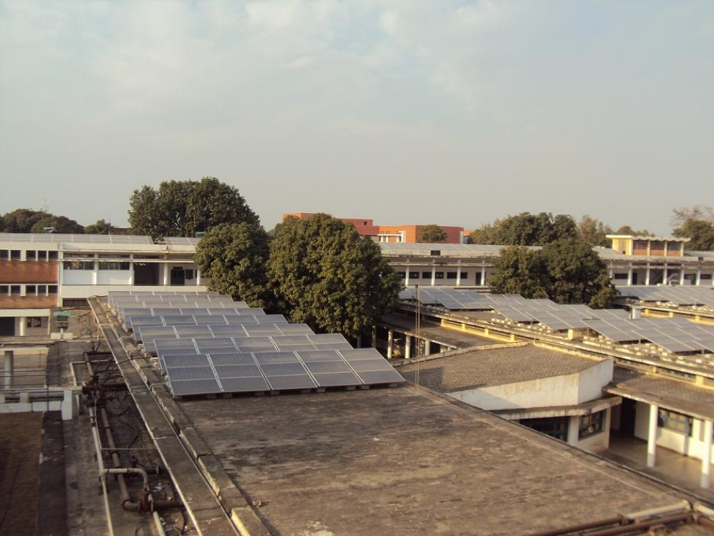 Haryana HAS mandated every building with a 500 square yard or more plotted area to install solar panels. Credit: Sridhar Sekar/ CSE