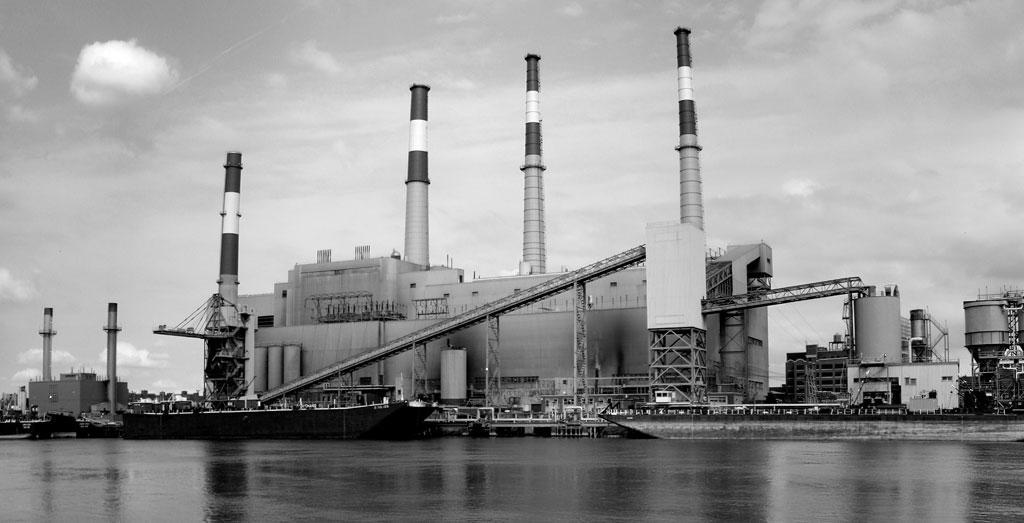 The 4,400-MW Ninghai coal-based power plant in Zhejiang utilises wet-lime based flue-gas desulphurization unit to control sulphur dioxide (Credit: wikipedia)