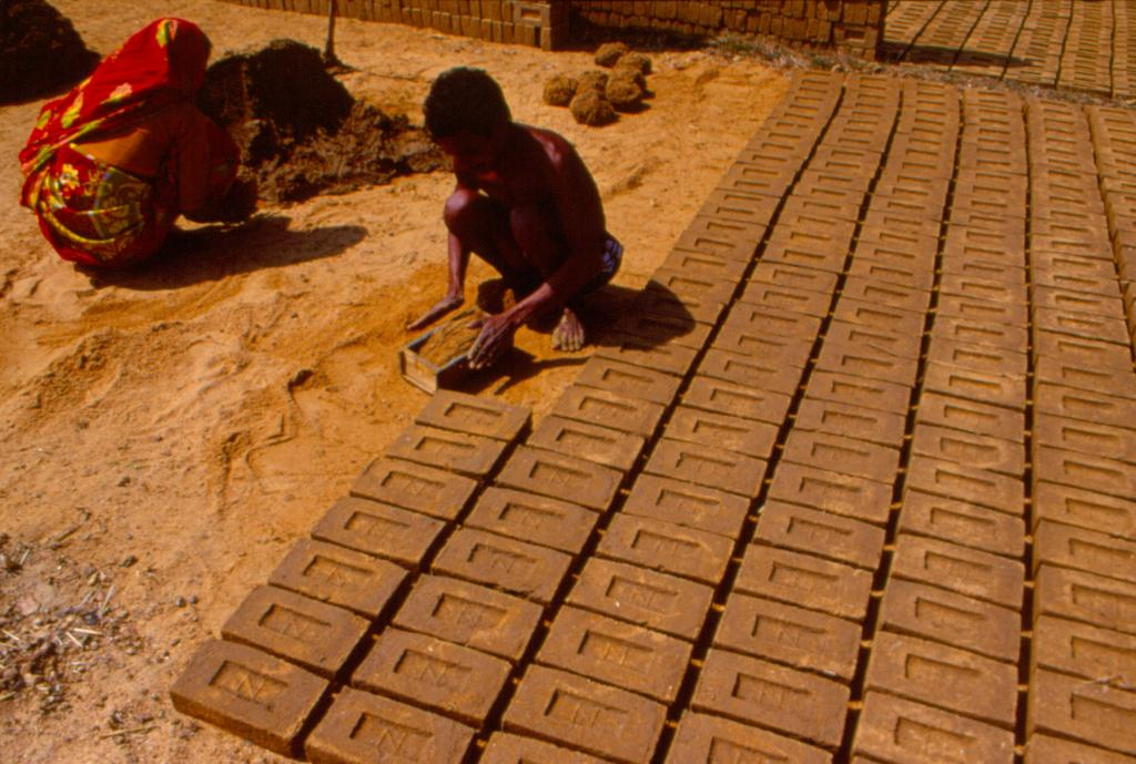 Brick kilns have been identified as a major source of air pollution (Credit: Amit Shankar/CSE)