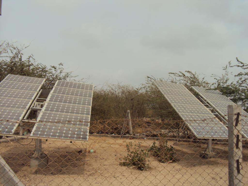 The survey claims large amount of land is needed for solar plants, but these plants use barren, unproductive land (Credit: Richa Sharma/CSE)