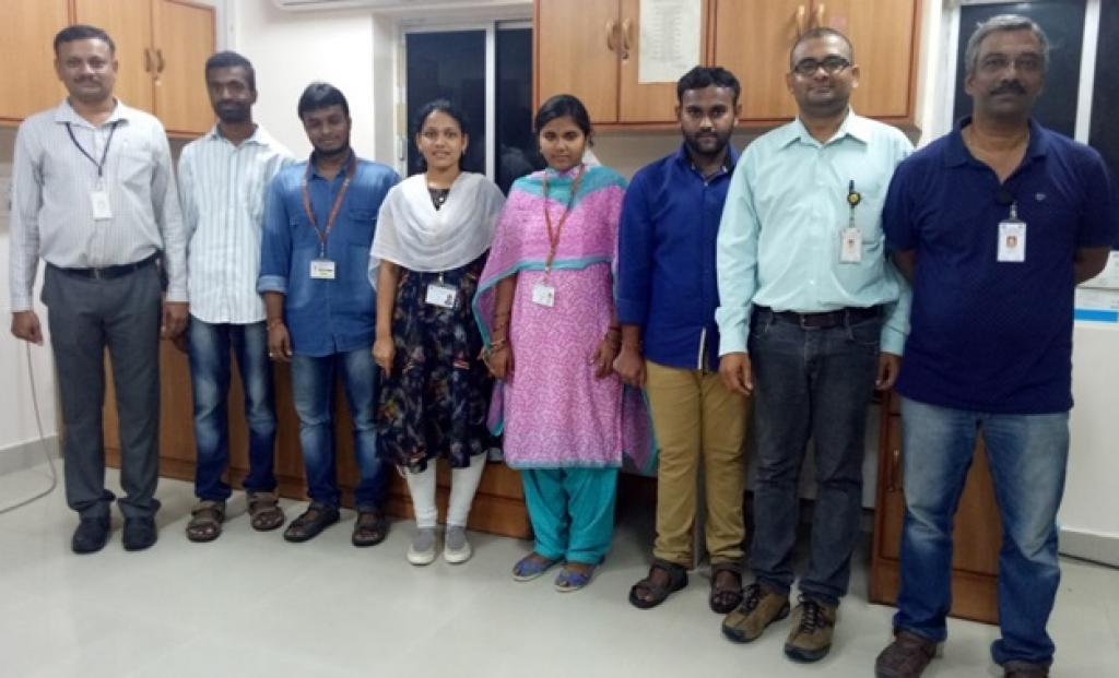 Dr. Mutheneni (second from right) with his team at IICT, Hyderabad. Credit: India Science Wire