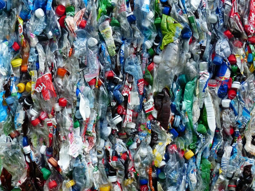 What will happen to plastics other countries collect through household recycling systems once the Chinese refuse to accept it? Credit: Pixabay
