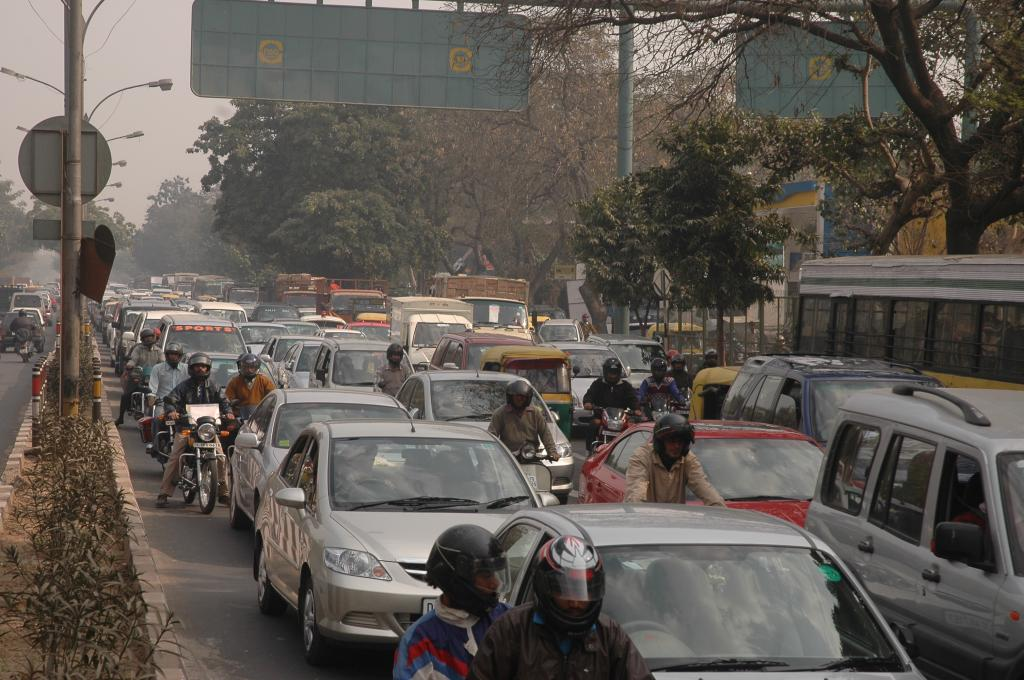 Around 92 per cent of the world's population is breathing polluted air (Credit: Samrat Mukherjee/CSE)