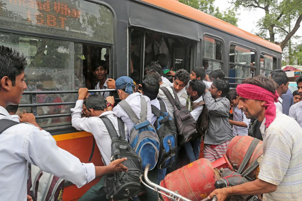 Delhi Transport Corporation's bus fleet reduced by 8% in a year (Credit: Vikas Choudhary/CSE)