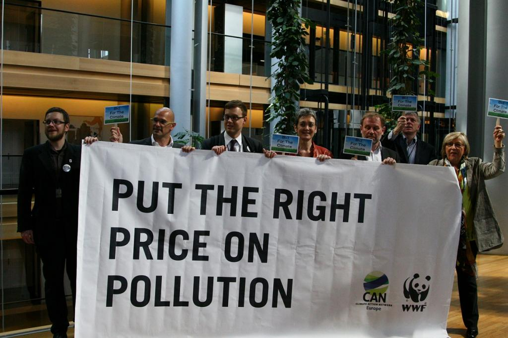 It is crucial that the upcoming negotiations fully address the shortcomings of the carbon market. Credit: Greensefa / Flickr