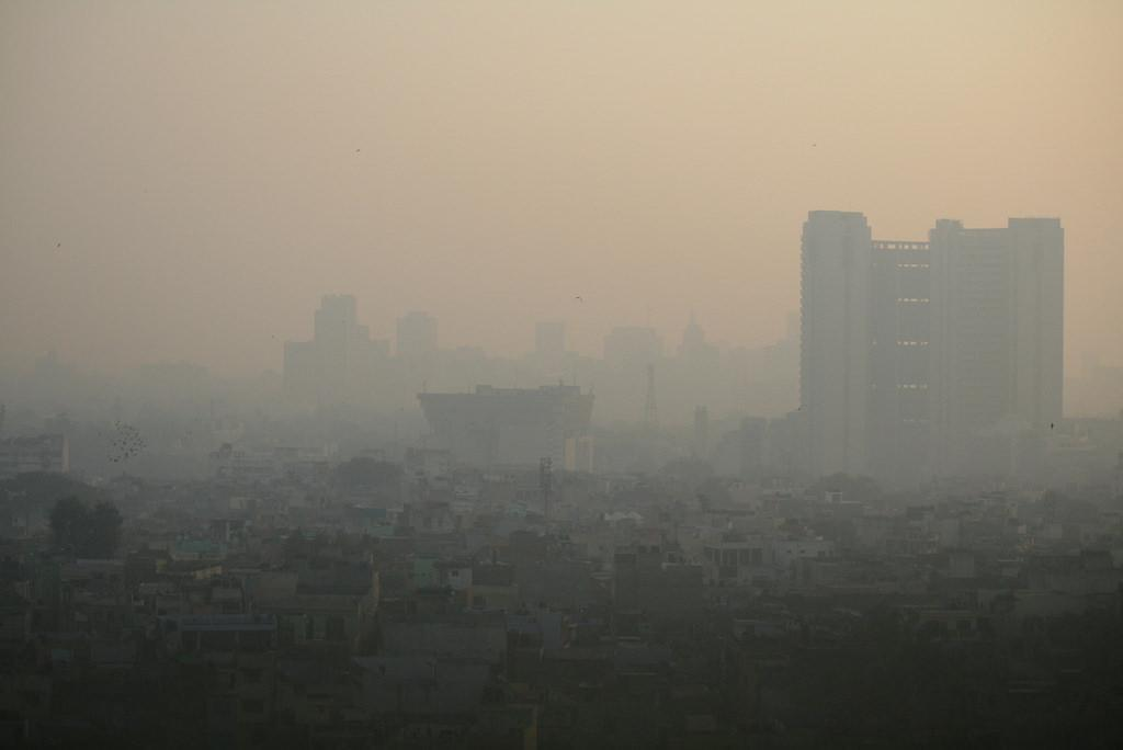 In recent years, scientists have come to acknowledge the negative impact of air pollution on human brains and behaviors. Credit: jepoirrier / Flickr