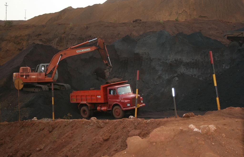 It is necessary that the pace and range of production from mines is increased. Credit: Sunita Narain / CSE