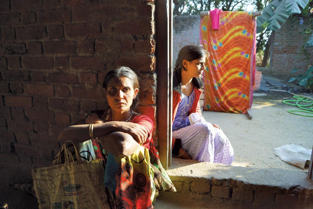 Lakshmi Sahu of Dhamtari district in Chhattisgarh says her husband committed suicide in June 2017 because he was unable to pay a R4.8 lakh agrarian loan (Photo: Purusottam Thakur)