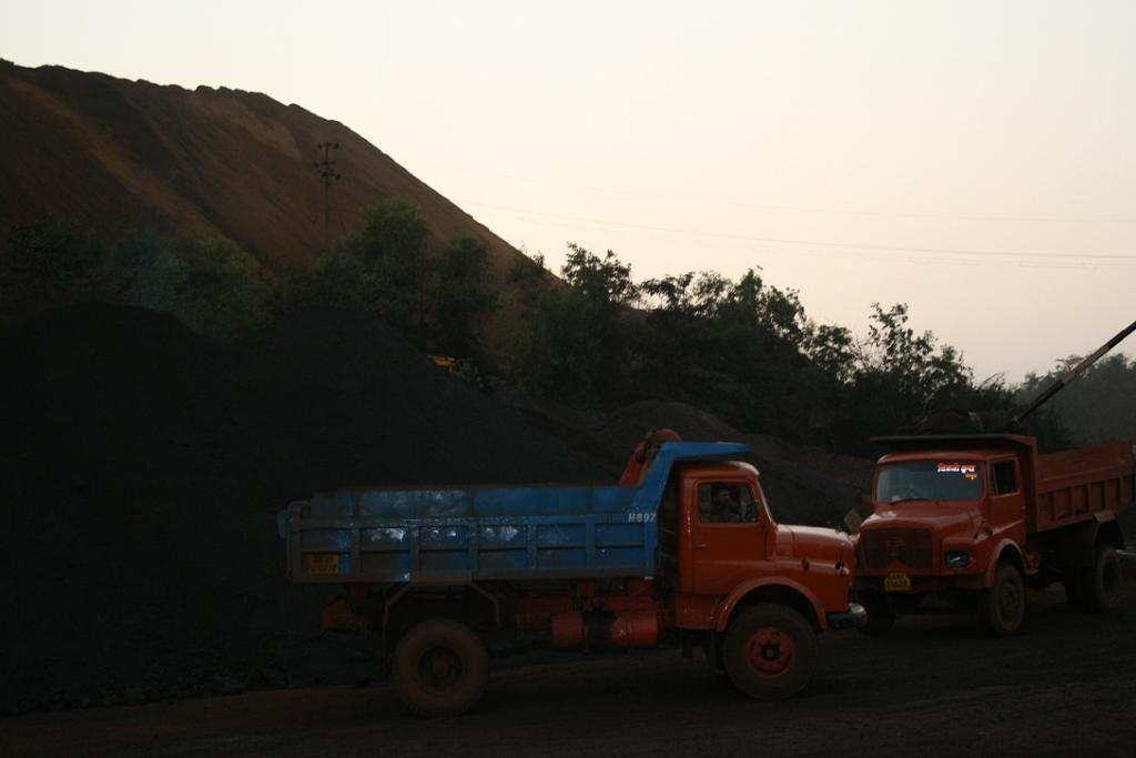 Goa Foundation, a non-profit, had contested the way mine lease holders were allowed to operate without granting of fresh leases and ECs. Credit: Sunita Narain / CSE