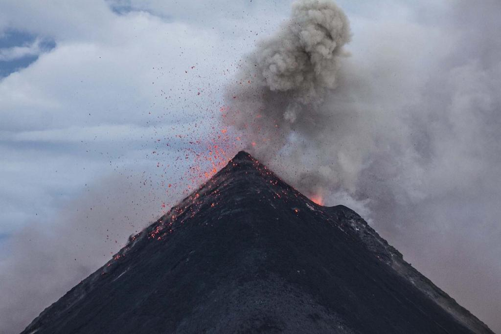 When a volcano is about to erupt, the lava lake increases in volume and hence, in height, as it is fed by magma from the earth's crust. Credit: Pexels