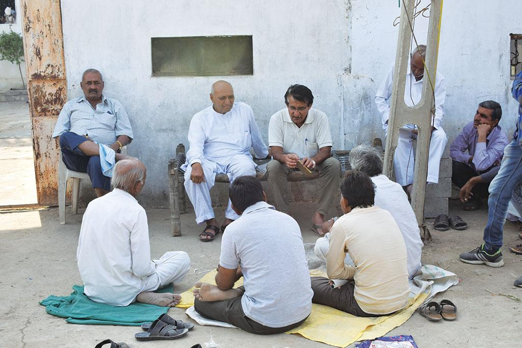 Farmer leader Sagar Rabari (top row, second from right) is mobilising farmers of Morbi district to demand Narmada water usage data from the government