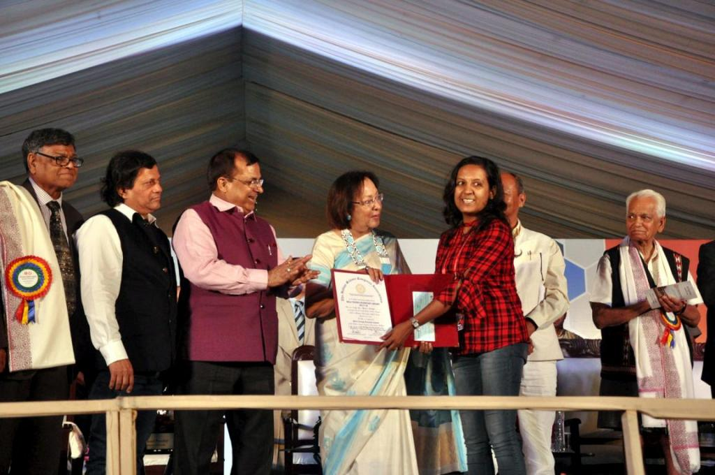 Fourteen best paper presenters from across the country were honoured with best young scientists' awards. Credit: Sobhapati Samom