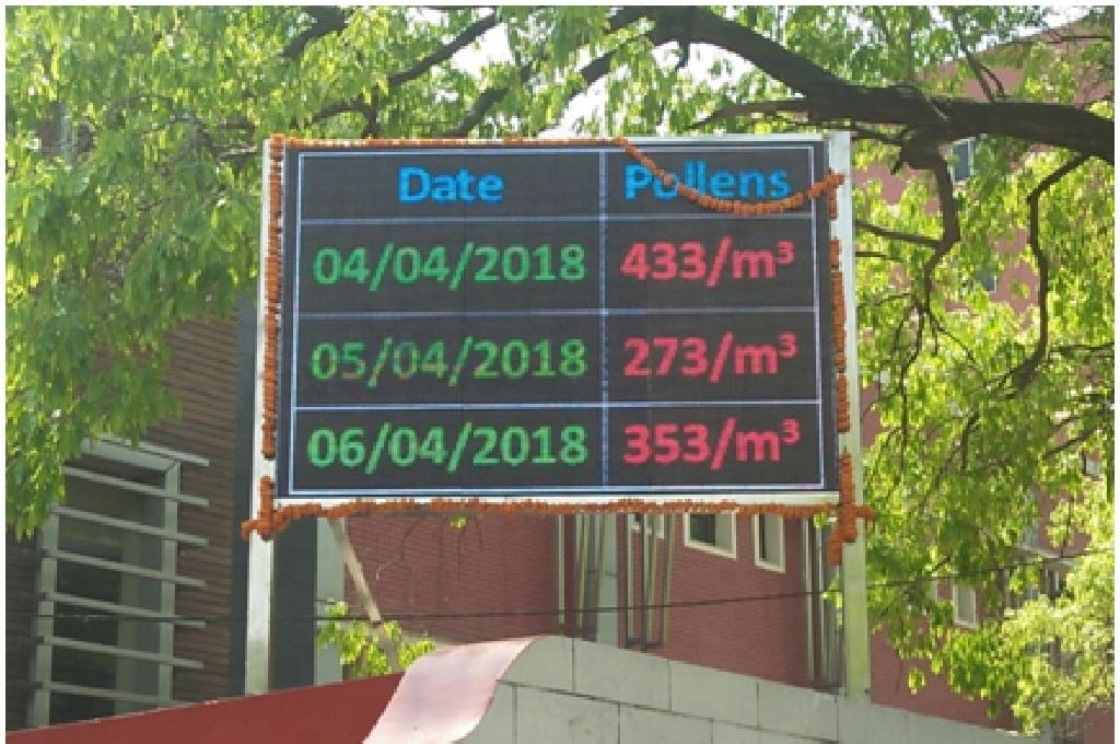 Pollen count would be displayed on this monitor installed at Vallabhbhai Patel Chest Institute. Credit: India Science Wire